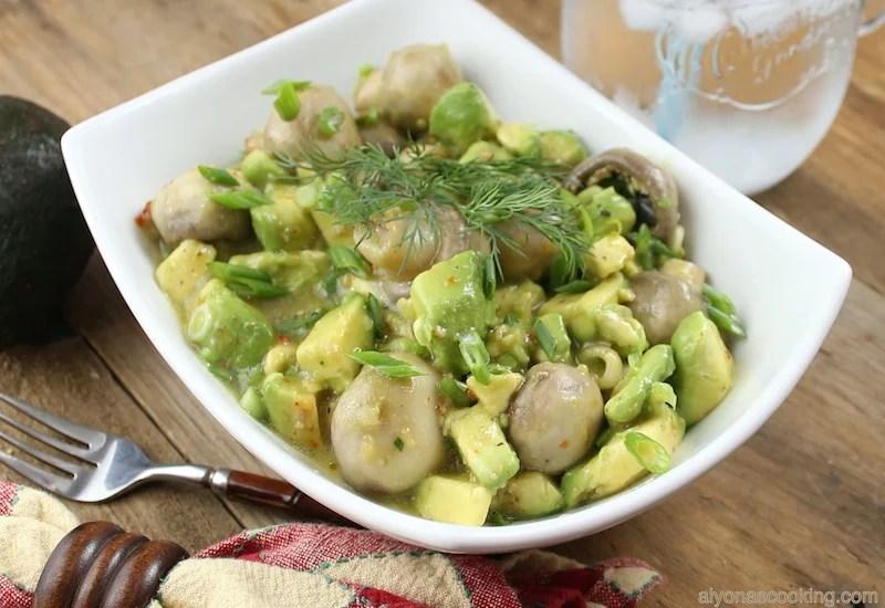 zesty avocado and mushroom salad, zesty salad, italian dressing, easy salad, healthy salad, avocado,salad