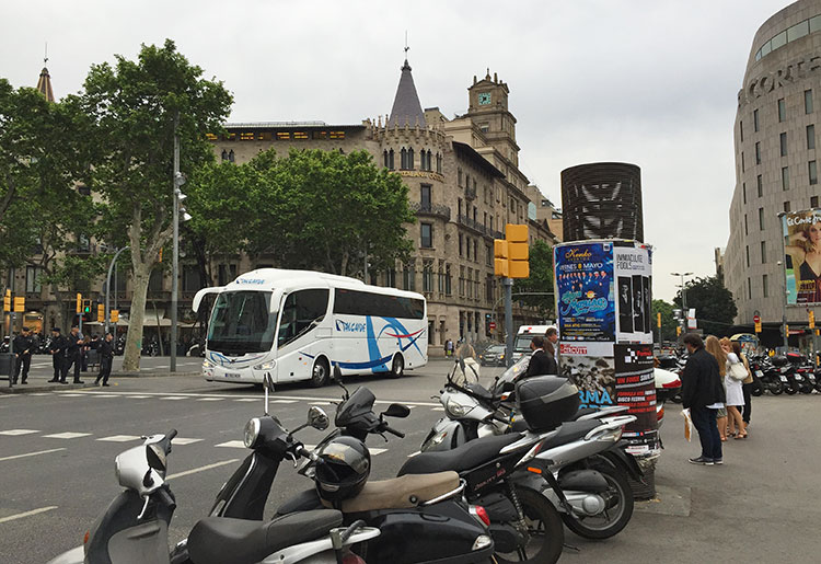 Scooters-and-bus-in-Barcelona