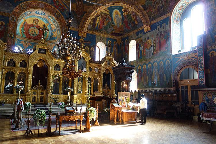 Temple Sveti Sedmochislenitsi in Sofia Interior