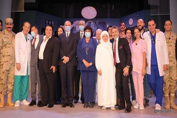 """وزير الثقافة تفتتح """"الوصية"""" على المسرح القومي (صور)"""