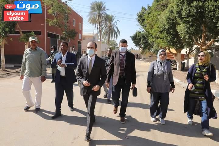 نائب محافظ سوهاج في جولة مفاجئة لقرية عرابة أبو الدهب بمركز سوهاج