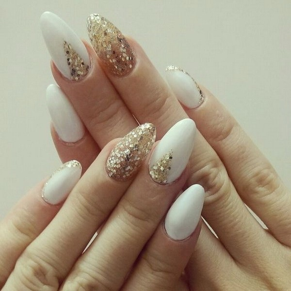 Almond-Shaped-White-And-Gold-Nails Beautiful Almond Nail Designs
