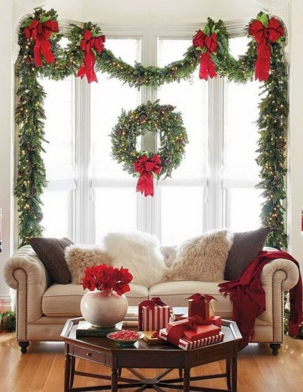 Giant-Greenary-Wreath-And-Garland-For-Christmas-Decoration Elegant Christmas Decorating Ideas