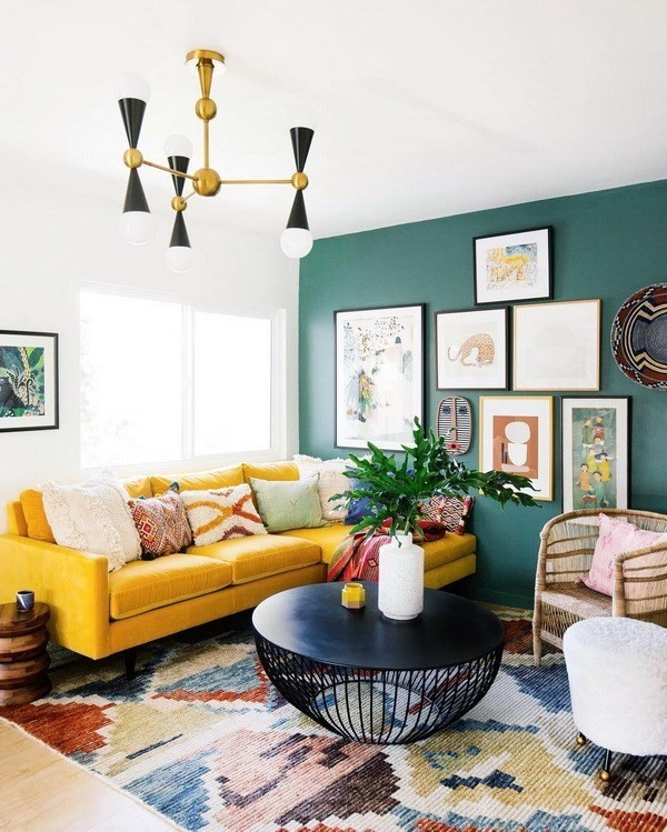 Guest-Room-With-Geometric-Yellow-Wallpaper-1 Decorating With Yellow: How To Brighten Your Space With Yellow