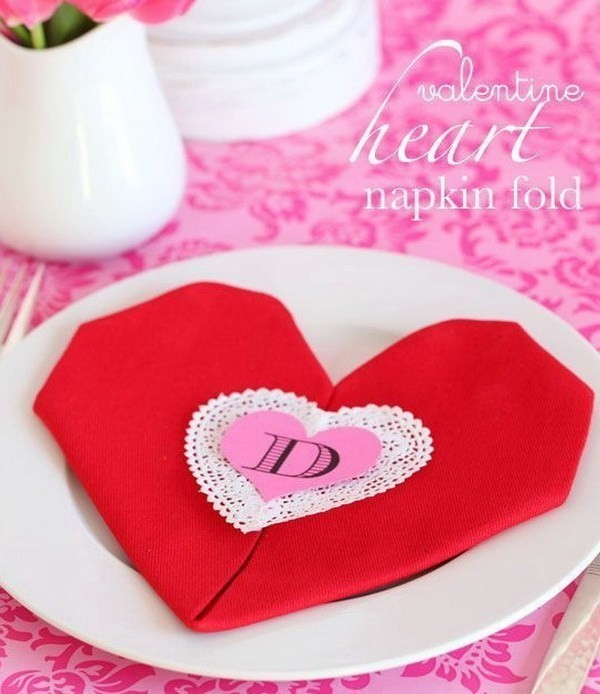 Heart-Shaped-Napkin-Fold Sweet DIY Valentine's Day Decoration Ideas