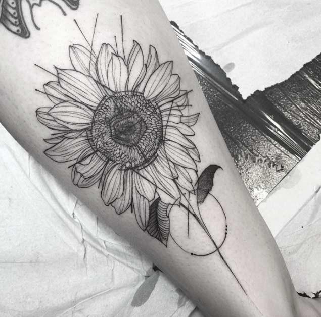 Antique-Artistic-Outline-Of-Sunflower-Design Amazing Sunflower Tattoo Ideas