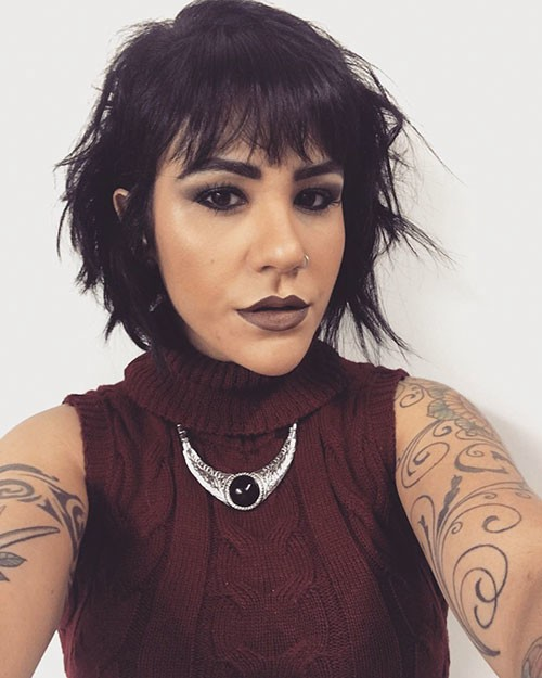 Choppy-Hairstyle-with-Bangs 28 Really Modern Short Hair Ideas for An Amazing Look