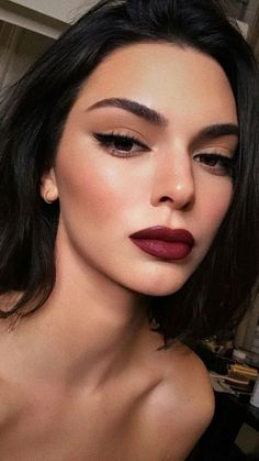 Dark-eyes-for-tremendous-look-5 Hot 2020 Makeup Ideas for Every Girl