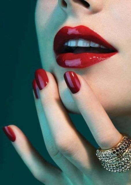 Only-red-lipstick-1 Hot 2020 Makeup Ideas for Every Girl