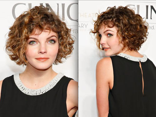Short-Haircut-with-Bangs 20 Amazing Short Curly Hairstyle for Round Faces