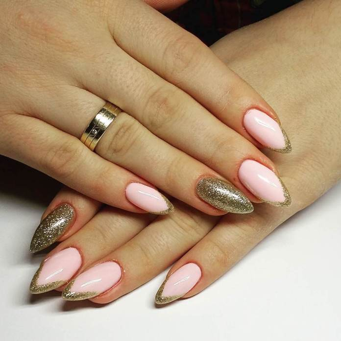 gold-glitters-with-pale-pink-combination-for-almond-nails Perfect Ideas for Pink Nails to Finish Feminine Look