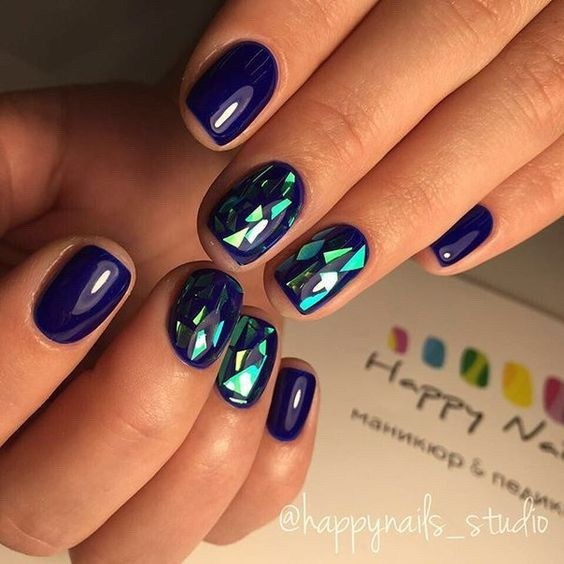 Amazing-shattered-glass-nail-design-1 Cool Abstract Nail Art Ideas