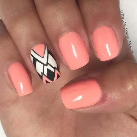 Amazing-shattered-glass-nail-design-4 Cool Abstract Nail Art Ideas