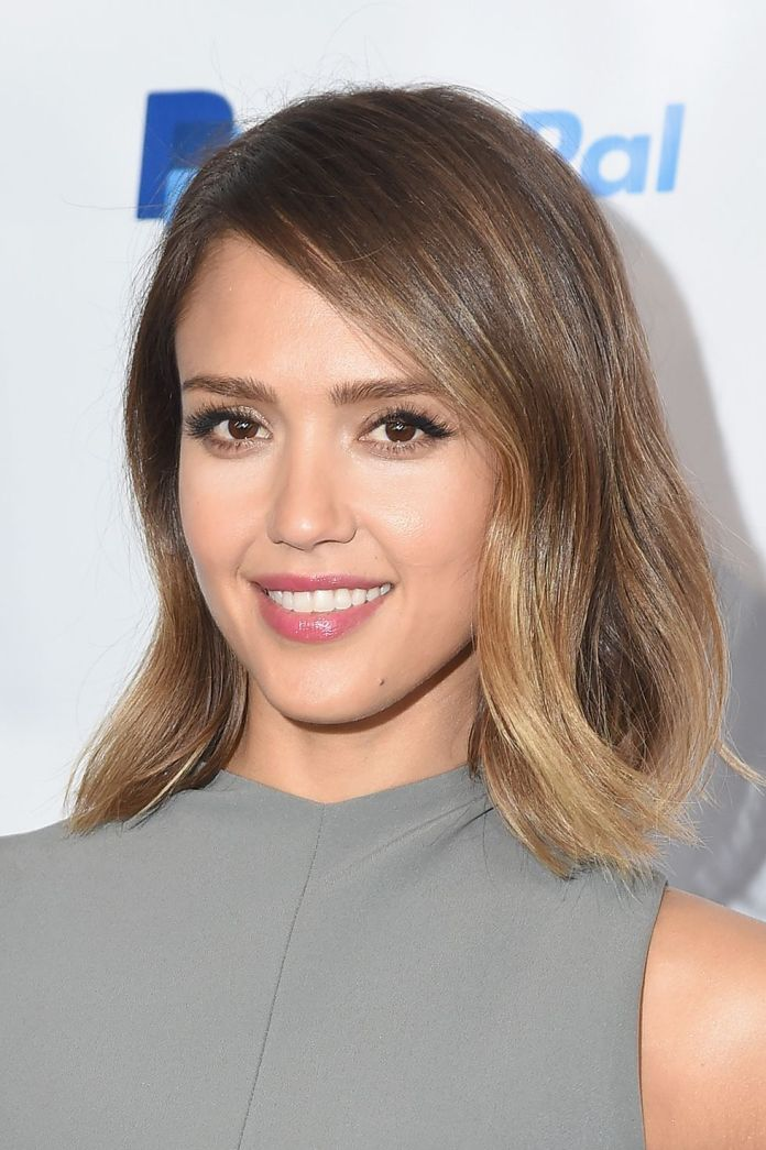 Cutting-bangs-Sleek-and-Side-Swept-Bangs-1 Hairstyles with bangs: How to cut bangs as a professional?