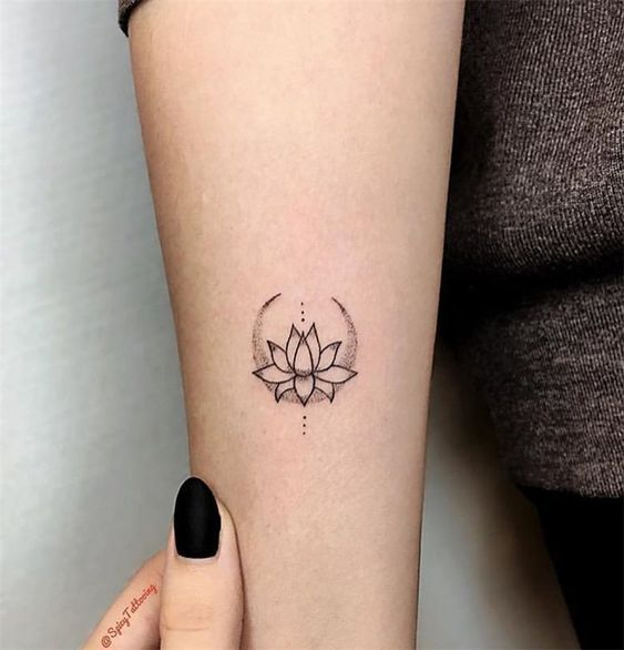Meaningful-and-Inspirational-Small-Tattoos-for-Women-18-1 24 Meaningful and Inspirational Small Tattoos for Women