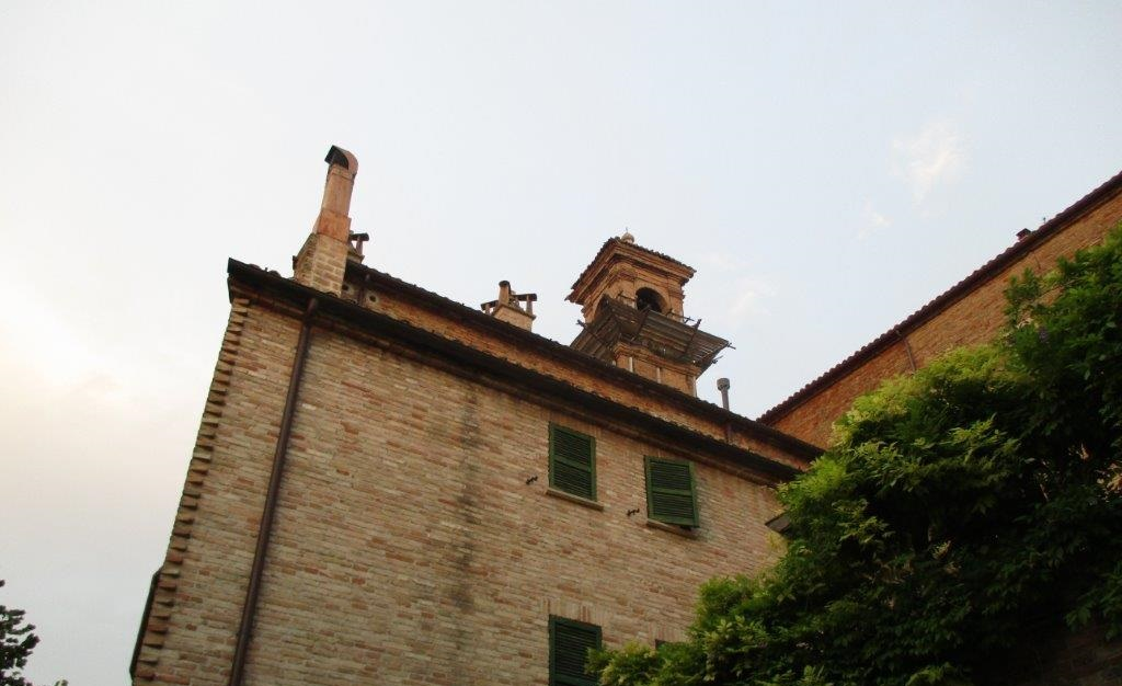The Englishwoman dines and listens to old favourites in Corinaldo at I Tigli
