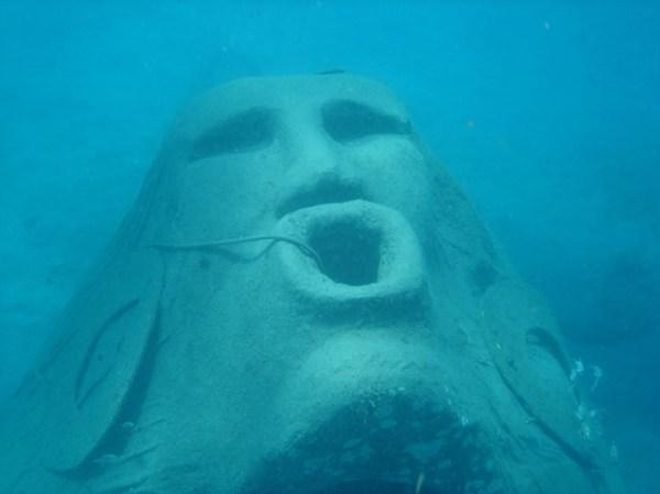 Underwater statue of Manman Dlo in Saint Pierre
