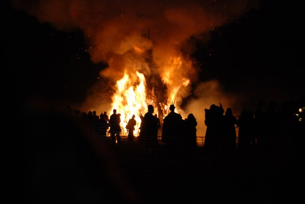 Bonfire Night in Victoria Park Photo by Shane Global
