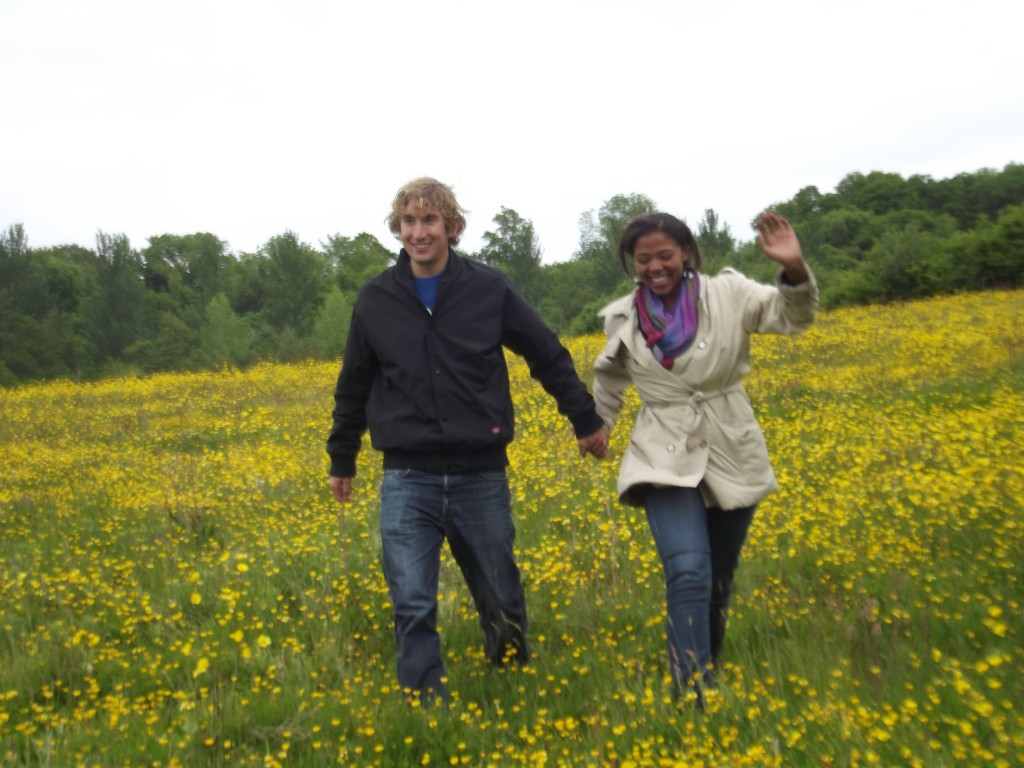 Daffodils in Horsham, England, Couple's travel