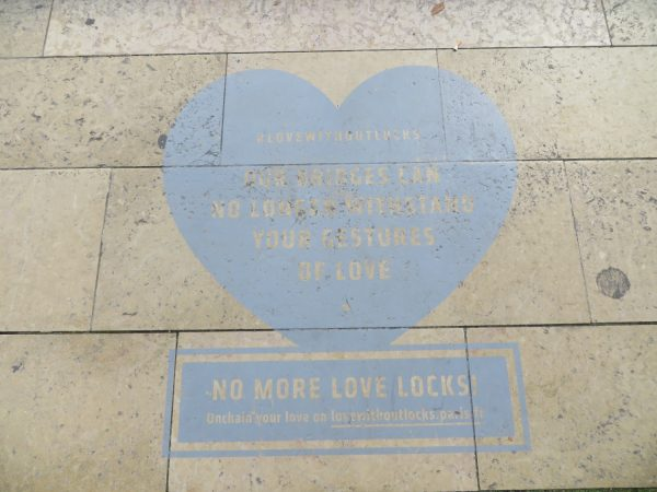 No Love Locks campaign paris