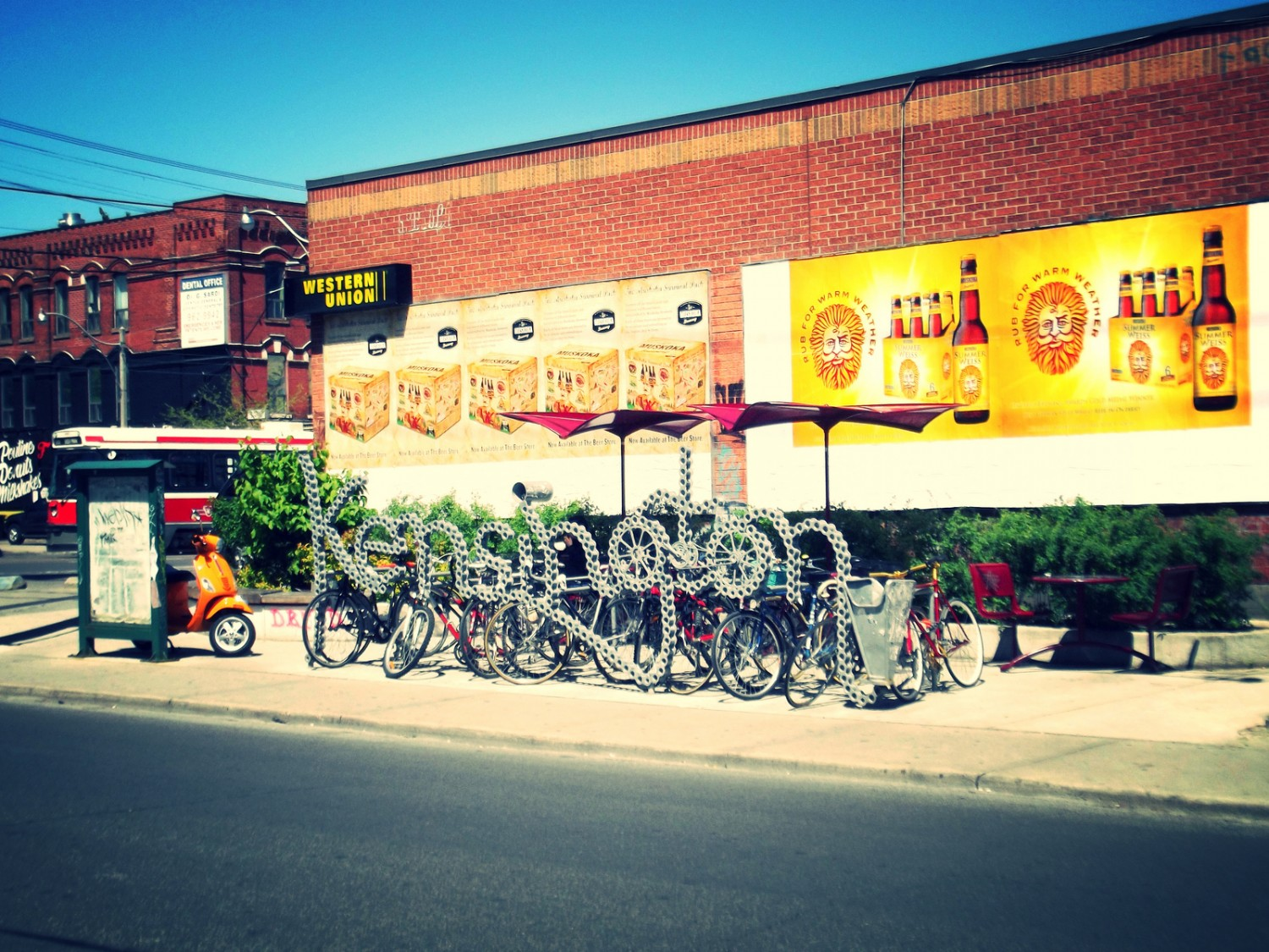 kensington market, bicycles, toronto, college street, things to do in toronto, what not to do in toronto