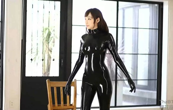 JAPANESE GIRL IN MULTIPLE LATEX CATSUITS FUCKED