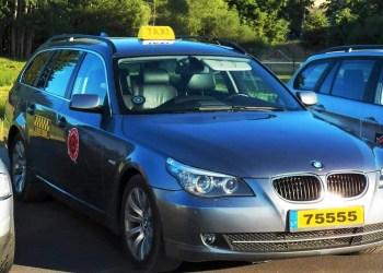 """Pirmadienį, rugsėjo 3-ąją, populiariausias miesto taksi """"Alytus veža"""" į mokyklą ar vaikų darželį Dzūkijos sostinės ribose kviečia keliauti nemokamai"""