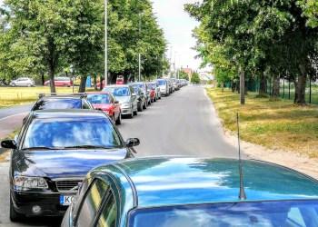 Pinga daugiausiai išduodamų, arba kitaip tariant, bendrųjų numerio ženklų kainos. Vietoje 15,06 Eur lengviesiems automobiliams nuo šiol jie kainuos dvigubai mažiau – 7,20 Eur. Asociatyvi iliustracija