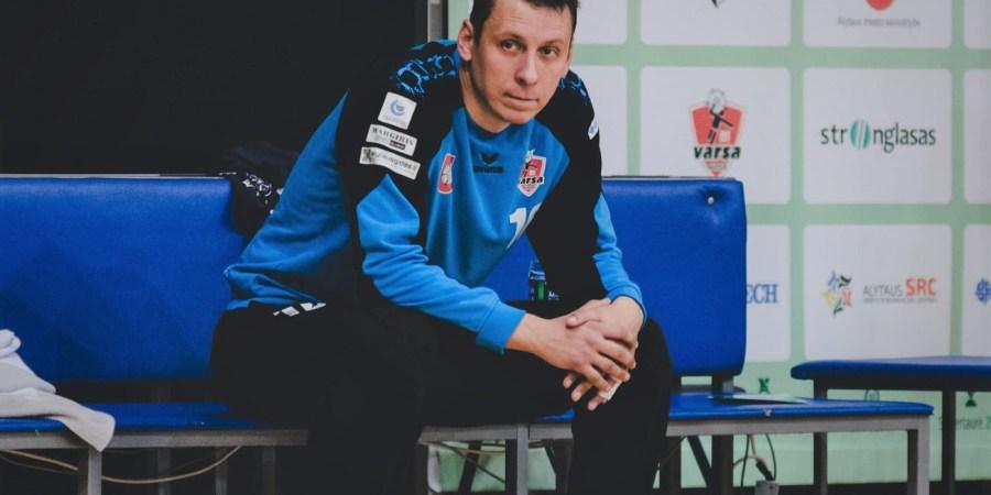 """Vienas pagrindinių LRL pirmojo pusfinalio Klaipėdoje herojų, Alytaus """"Varsos-Stronglaso"""" vartų sargas R. Cipkus"""