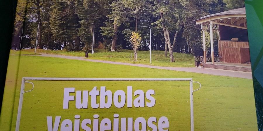 """Knyga """"Futbolas Veisiejuose 1935-2019"""". Alytausgidas.lt nuotr."""