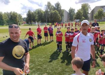 Jauniausiųjų Alytaus futbolo akademijos auklėtinių treneris A. Lygnugaris