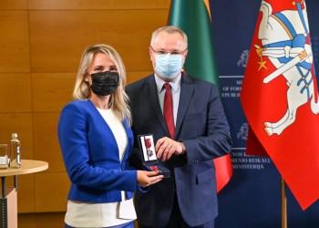 Apdovanojama A. Černiauskaitė