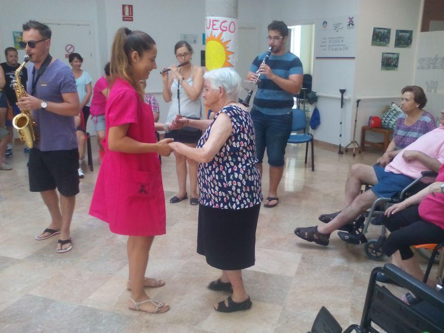 Fiesta de verano. Baile