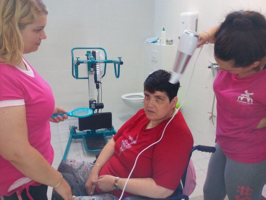 Servicio de higiene integral Asociación Alzheimer Bigastro
