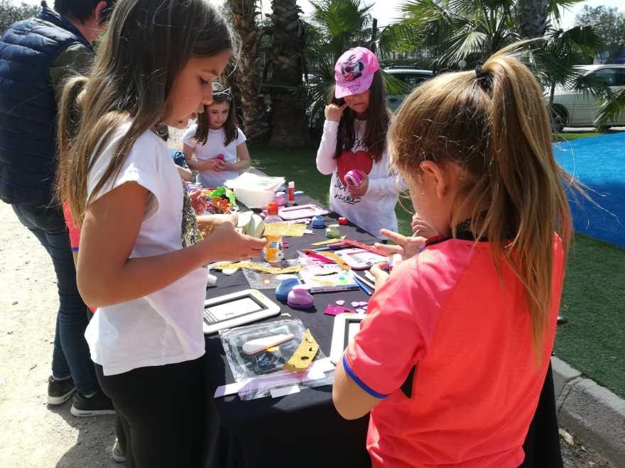 Taller infantil en la V Movida Solidaria Alzheimer Bigastro
