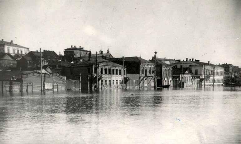 Наводнения на Волге: большие беды большой воды