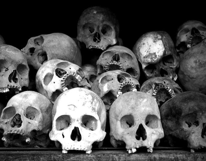 Кто-то похищает черепа из могил