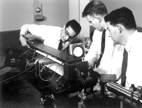 Как изобрели лазер