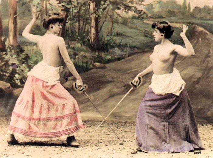 Дуэли голых женщин