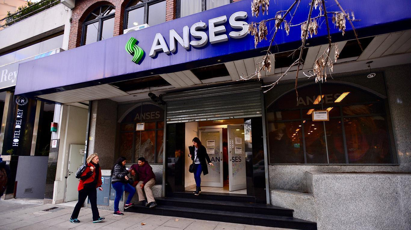 """Trabajadores de ANSES """"en alerta"""" por irregularidades en el sistema CUNA"""