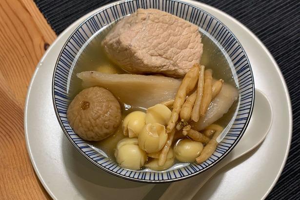 [防疫新知] 吃甚麼可以滋補潤肺利咽? - 抗疫食療篇 加拿大中文 ...