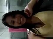 Novinha do whatsapp mostrando a xota na cam pra galera da putaria