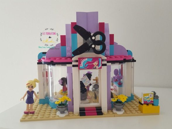 On s 39 amuse avec les univers lego friends test avis for Lego friends salon de coiffure