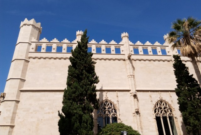 La Lonja, facciata sud