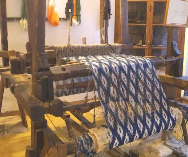 Tela de Llengües de Mallorca - Lavorazione nella Granja de Esporles