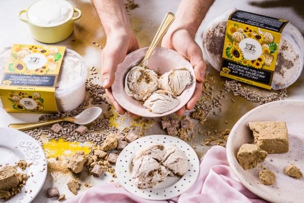 ēdienu fotogrāfs un stilists Amalija Andersone Zemnieku Saldējums foto saulespuķu halvas saldējums