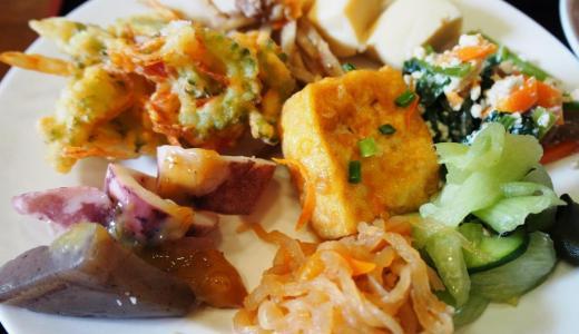 愛媛県愛南町「山出憩いの里温泉遊花亭」の野菜たっぷりバイキング、からの川遊びが最高!