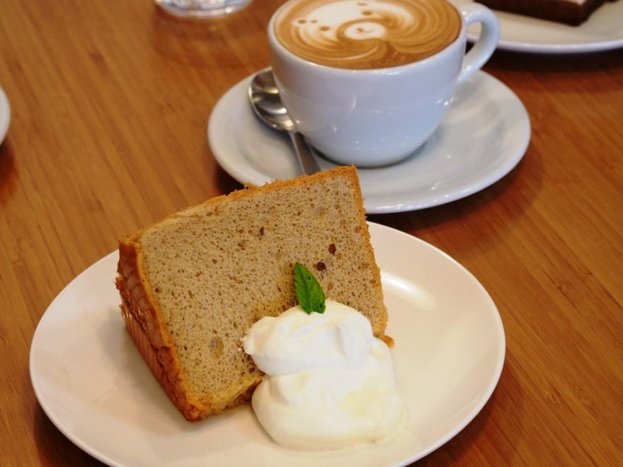 アコルドコーヒー ケーキ