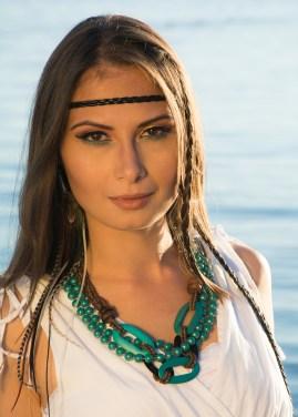 MUA: AMANA BEAUTY PHOTOGRAPHY: ALISHA KHAN PHOTOGRAPHY DECOR, PLANNING AND DESIGN: MOSAIC PARTY AND EVENT DESIGN MODEL: AYLA IRIS FEATHER EARRING: HIDDEN RAINBOWS