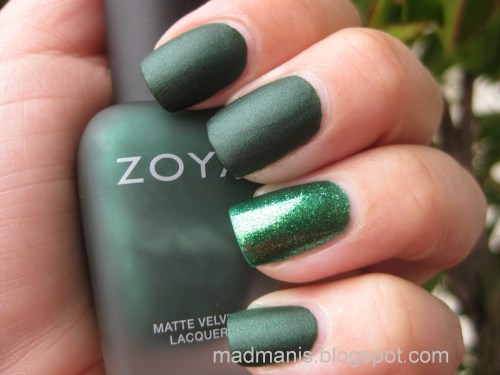 Matte polish with a glossy glitter accent nail. Source.